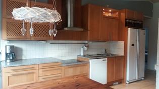 Puustellin kaapistot keittiössä