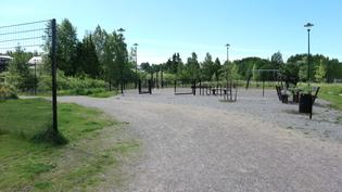Läheinen leikkipuisto