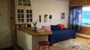Kettiö- ja ruokailutila, jossa voi levätäkin. Kuva 2.