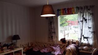 Iso makuuhuone.