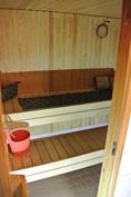 Sauna, kellarikerros (vesikiertoinen lattialämmitys tilassa)