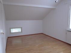 MH, vuokra-asunto - yläkerta