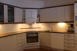 Tilava ja toimiva keittiö