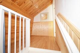 Portaikko yläkerta