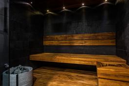 Asiakasmuutoksin toteutettu sauna