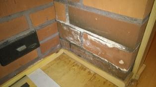 Alakerran muuratussa osassa kosteusvaurio
