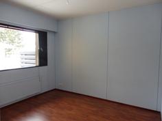 Makuuhuone 1 ( + vaatehuone )