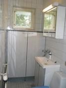 Keskikerroksen asunnon WC
