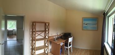 Yläkerran asunnon 2. makuuhuone