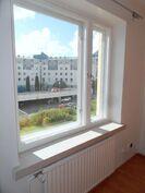 ikkunanäkymät sisäpihalle