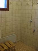 Pesuhuone ja pk-liitännät