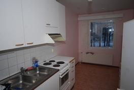 Huoneiston keittiö