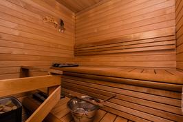 Mukavan kokoinen, todella siisti sauna