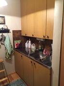 Yläkerran  keittiö oikealta...