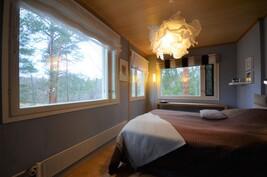 Makuuhuone josta näkymät merelle