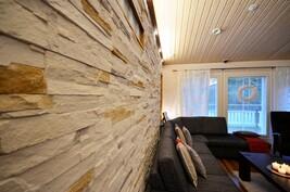 Tiilijäljitelmä seinää
