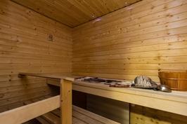 Todella siisti sauna, jossa kaunis valaistus ja uusittu 2007.