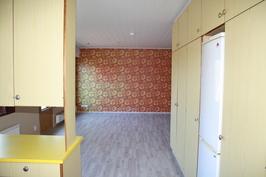keittiö, näkymä olohuoneeseen päin