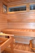 Sauna, tervaleppää ja lämpökäsiteltyä haapaa