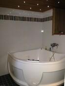 Sauna/kylpyosastolla on poreamme