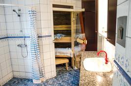 Kylpyhuone-saunaosasto