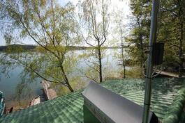 Kuva katolta merelle (huom.piipunhattu ja antennin jalka)