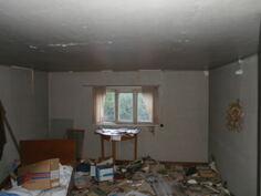kesähuone vintillä, sittemmin siivottu.