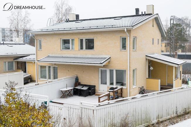 Myydaan Paritalo 4 Huonetta Helsinki Puistola Pensaskuja 7 A