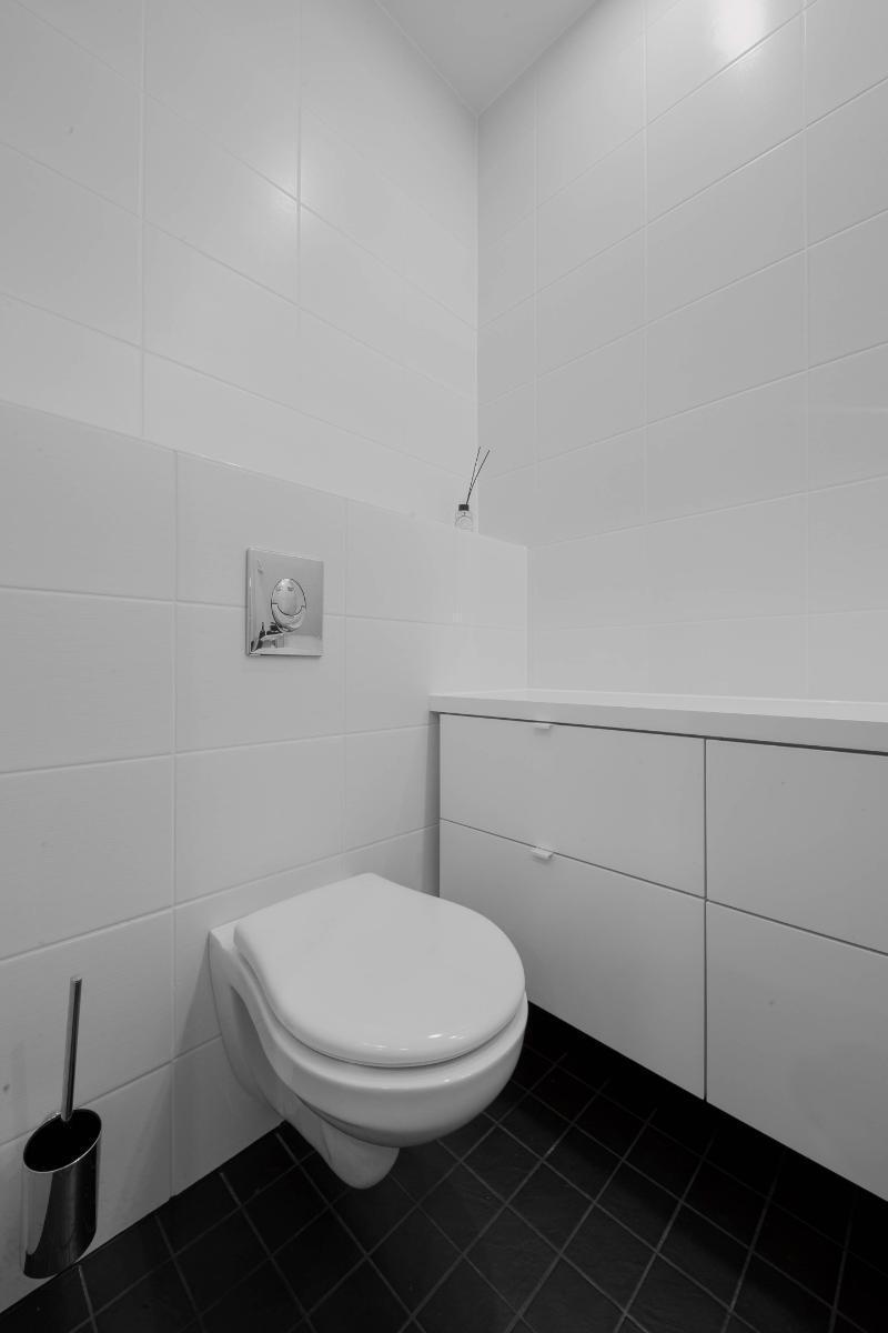 Esittelytalo A:n wc