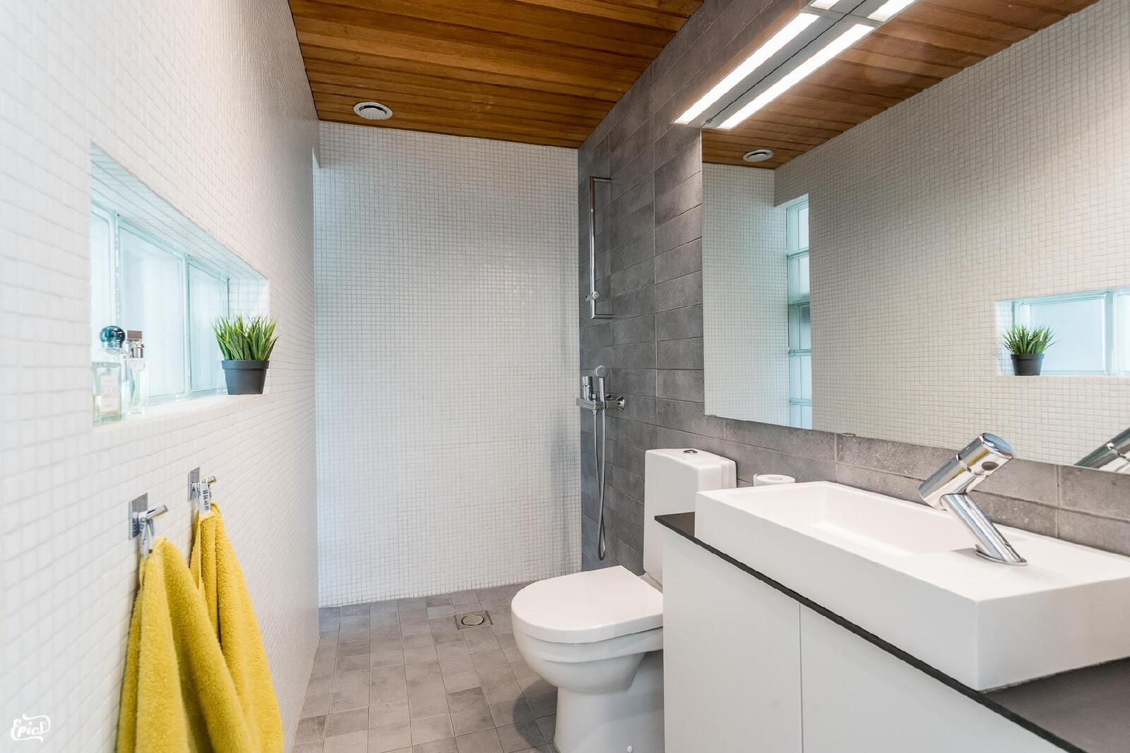 1 krs:n kylpyhuone