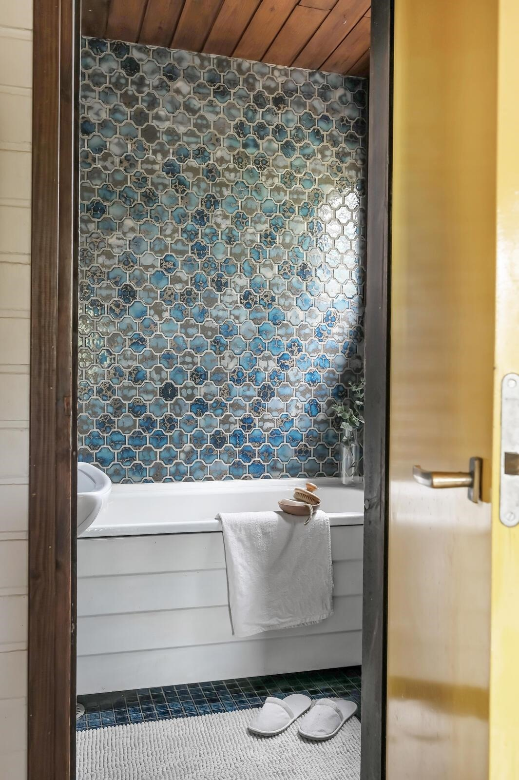 Ylimmän kerroksen kylpyhuone