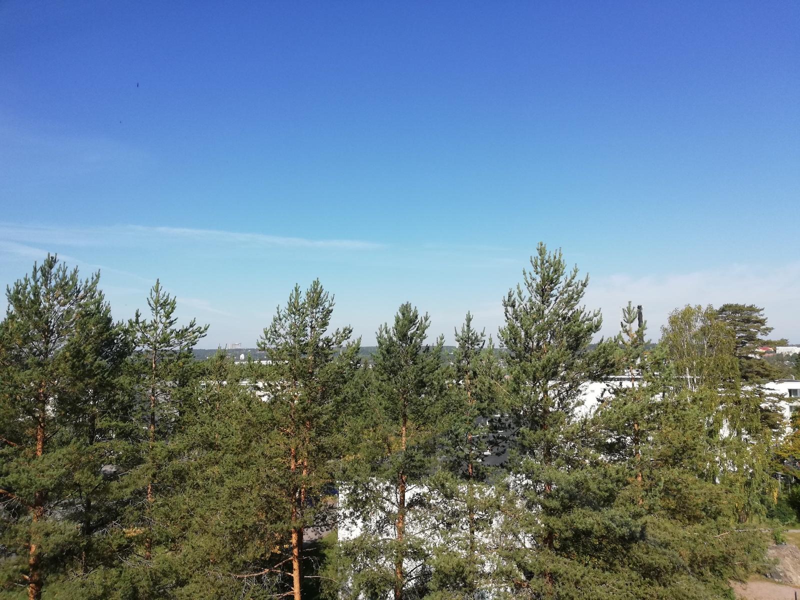 Ikkunanäkymä länteen