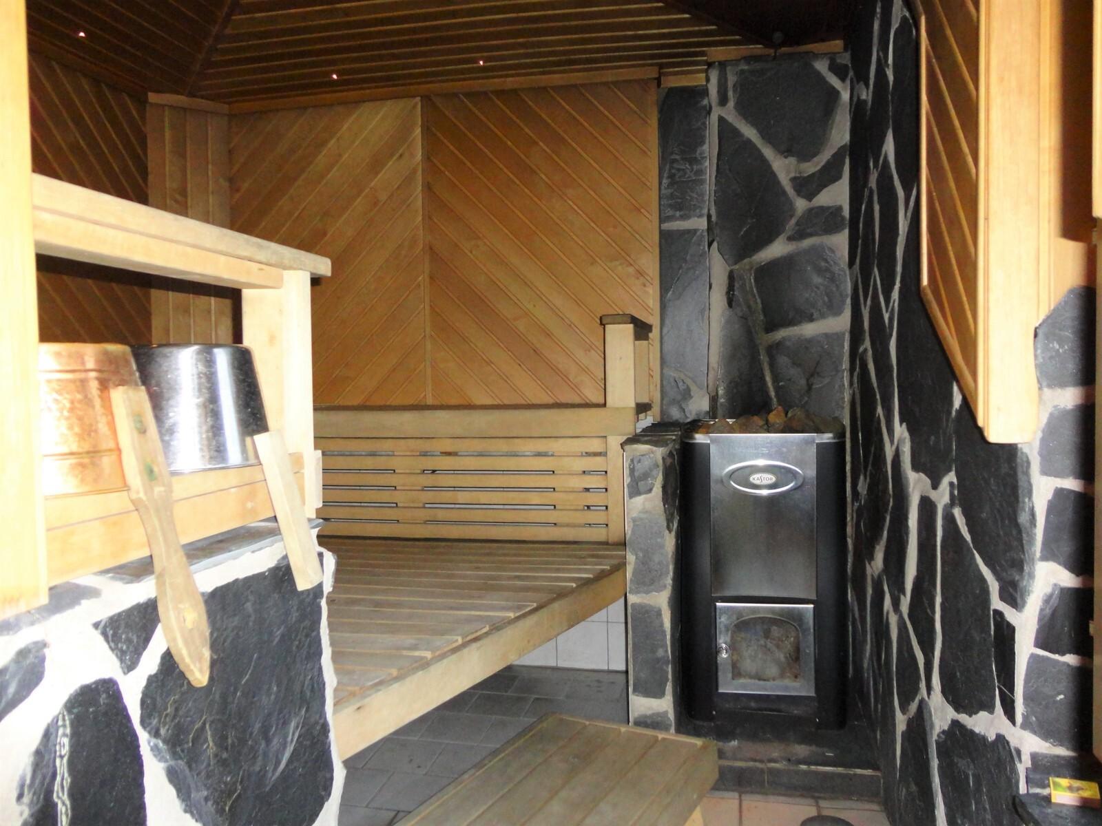 Päärakennuksen sauna