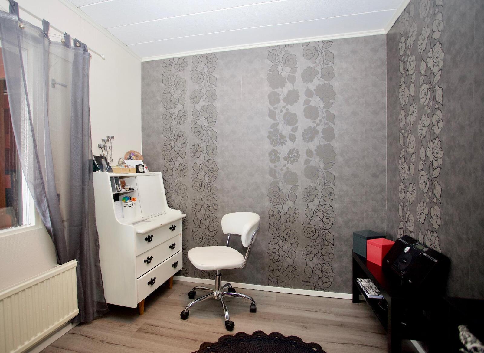 Yläkerran pieni makuuhuone