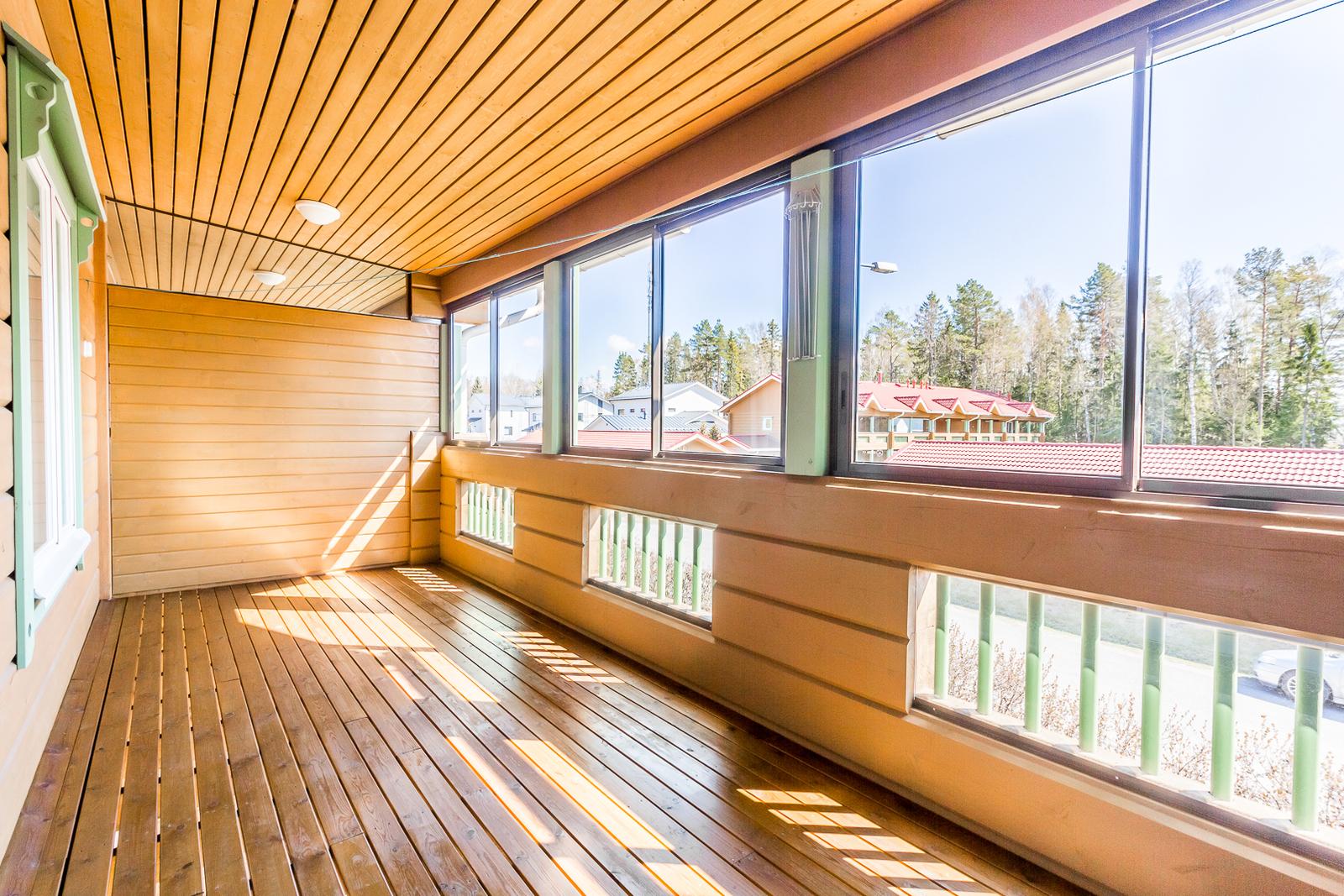Lasitettu parveke / Inglasad balkong