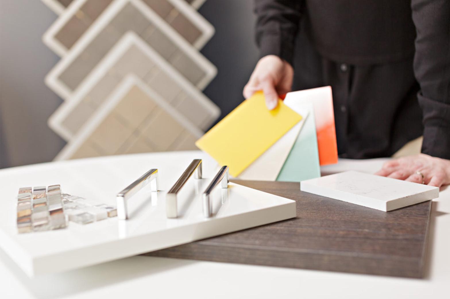 Kun olet ajoissa liikkeellä, sinulla on mahdollisuus vaikuttaa uuden kotisi ilmeeseen ja materiaalivalintoihin.