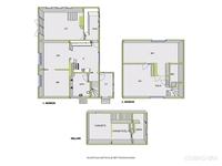 Yläkerran pohjakuvasta puuttuu yksi väliseinä joka jakaa tilan kahdeksi makuuhuoneeksi.