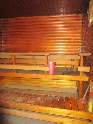 Sauna ja pesuhuone samaa tilaa