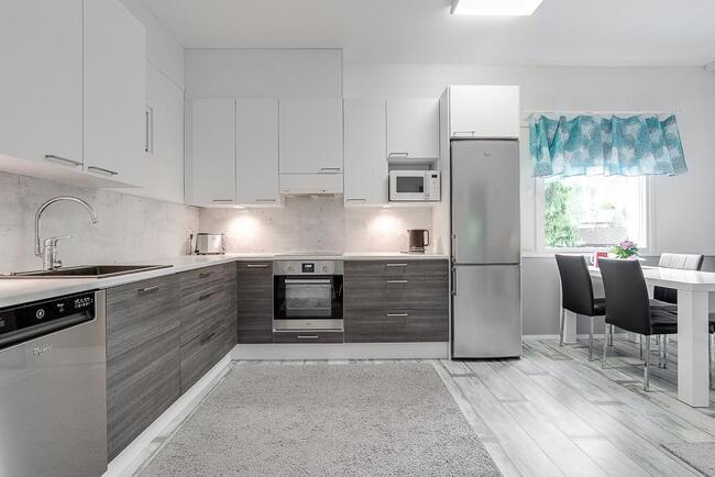 Tyylikäs keittiö remontoitu 2015