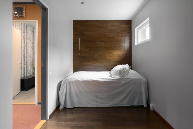 kellari krs, nauhaikkunainen huonetila