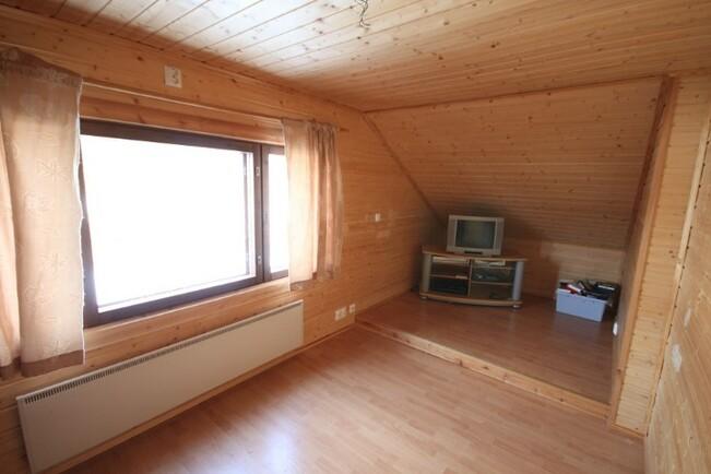 2. kerroksen 3. makuuhuone