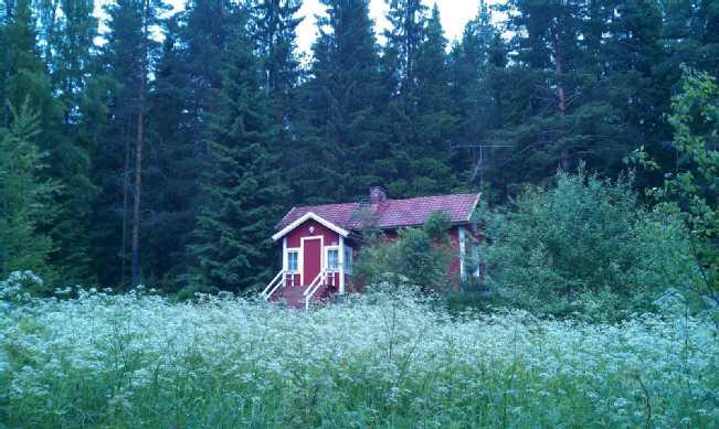 Linjalantie 52 - Kesä 2012 - PÄÄRAKENNUS (1)