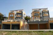 Myynti 8, Efes Pinar Sokak