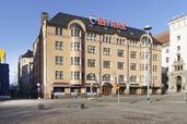Myynti Itäinen Teatterikuja 1