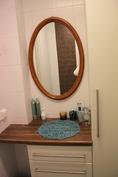 WC 1:n peili ja kampauspöytä
