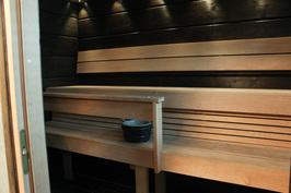 Saunan lauteilla on tilaa isommallekin porukalle