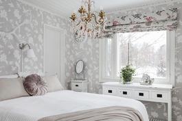 Keskerroksen makuuhuone