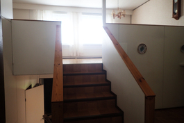 portaat olohuoneeseen