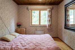 Makuuhuone päätalo