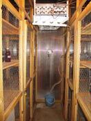Piharakennuksessa kylmähuoneessa aittakomerot.